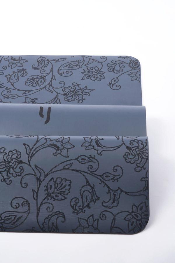 miPro Yoga Mat – Sarong Kebaya Edition